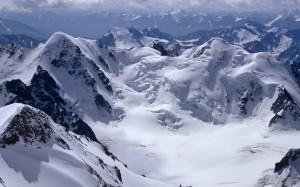 121603_Papel-de-Parede-Neve-nas-Montanhas_1920x1200
